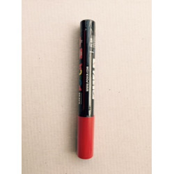 Markers marking Queen (red)