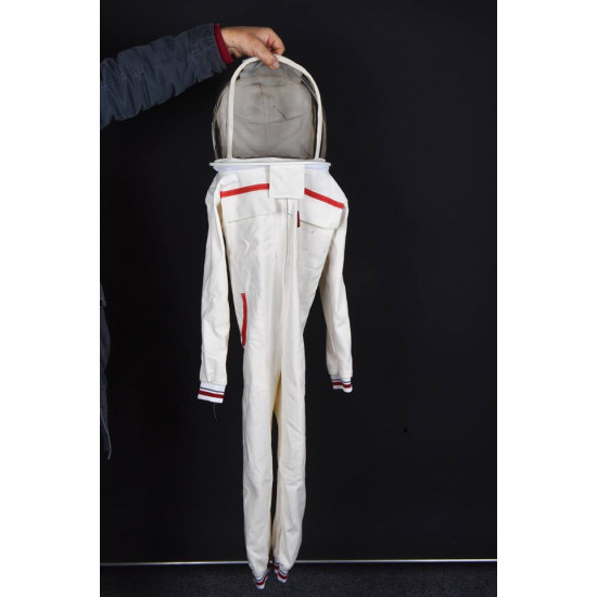 Full-length beehive-type astronaut mask