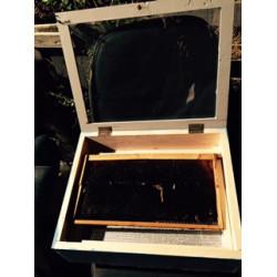Solar kirotiktis a framework with double glazing