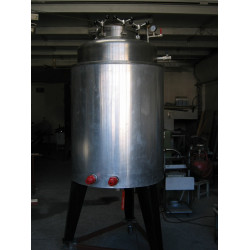 High heat reservoir for wax disinfection 400 kg